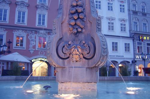 Brunnen-am-Abend