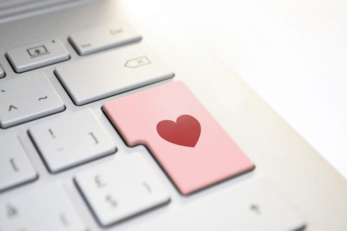 heart-3698156_1280